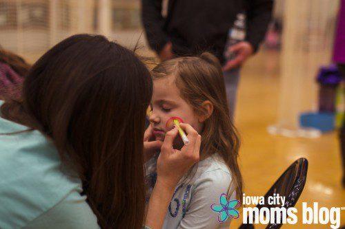 Iowa City Moms Blog's Egg Hunt