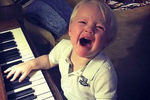 MomFail, sadbaby, crying, tears, badmom