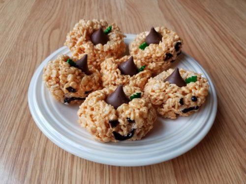 halloween treats kids rice krispie pumpkins