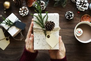 5 gift rule for Christmas giving
