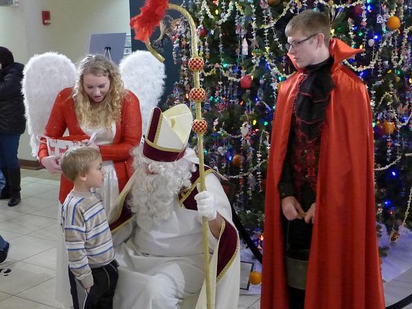 Visit the Old World Christmas Market! Cedar Rapids