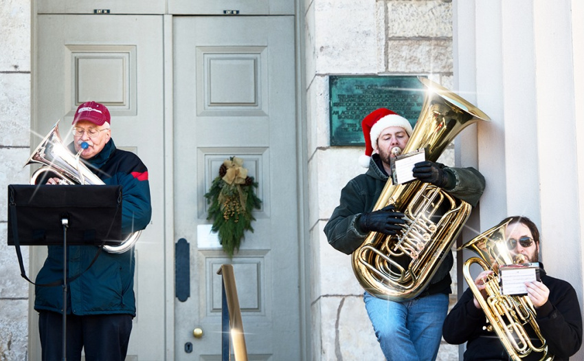 Iowa City Area Guide to Family Holiday Activities: 2020 Edition